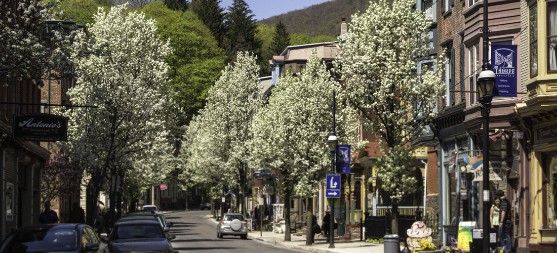 Shop the stores on Broadway in Jim Thorpe