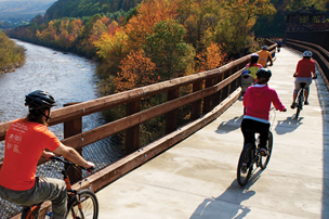 Bicyclists on D&L Trail enjoyed fall foliage.