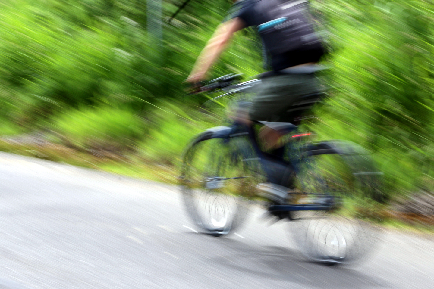Cyclist_Motion Blur_Sunday Parkway