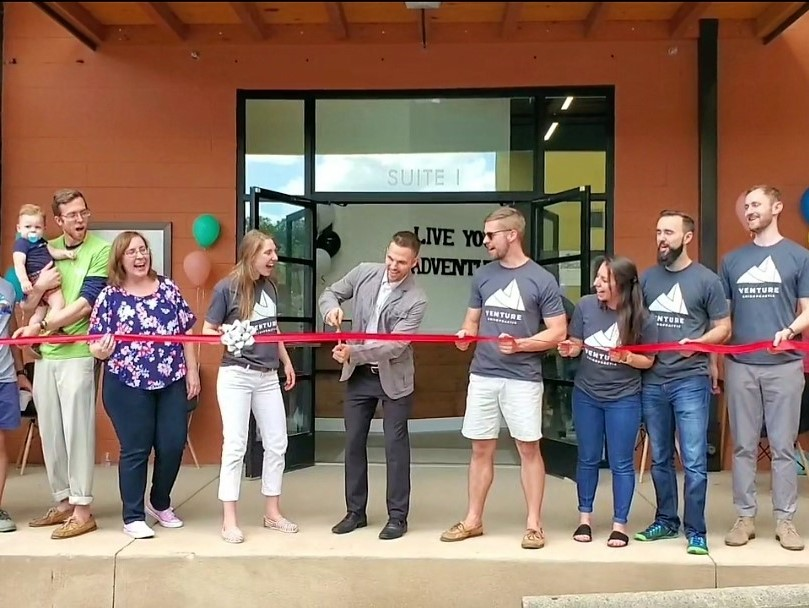 Venture Chiropractic ribbon cutting