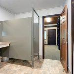 okerson-room-10-bath-1024x683