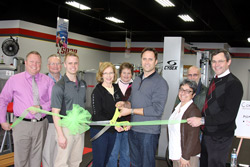 ribbon-cutting-group-photo