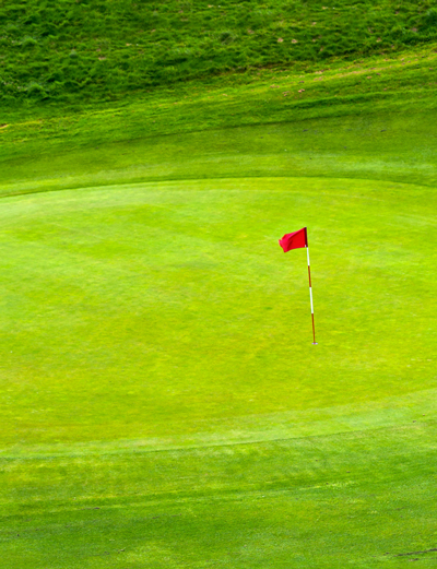 picture of flag on golf course