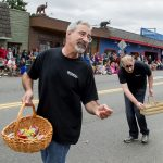 Ken_Zaglin_Vashon_Strawberry_Festival_Grand_Parade_2014_071914_med