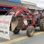 Old_Tractors_2014_Parade