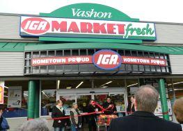 Vashon_Market_IGA_Ribbon_Untying_Feb_2013_263x189