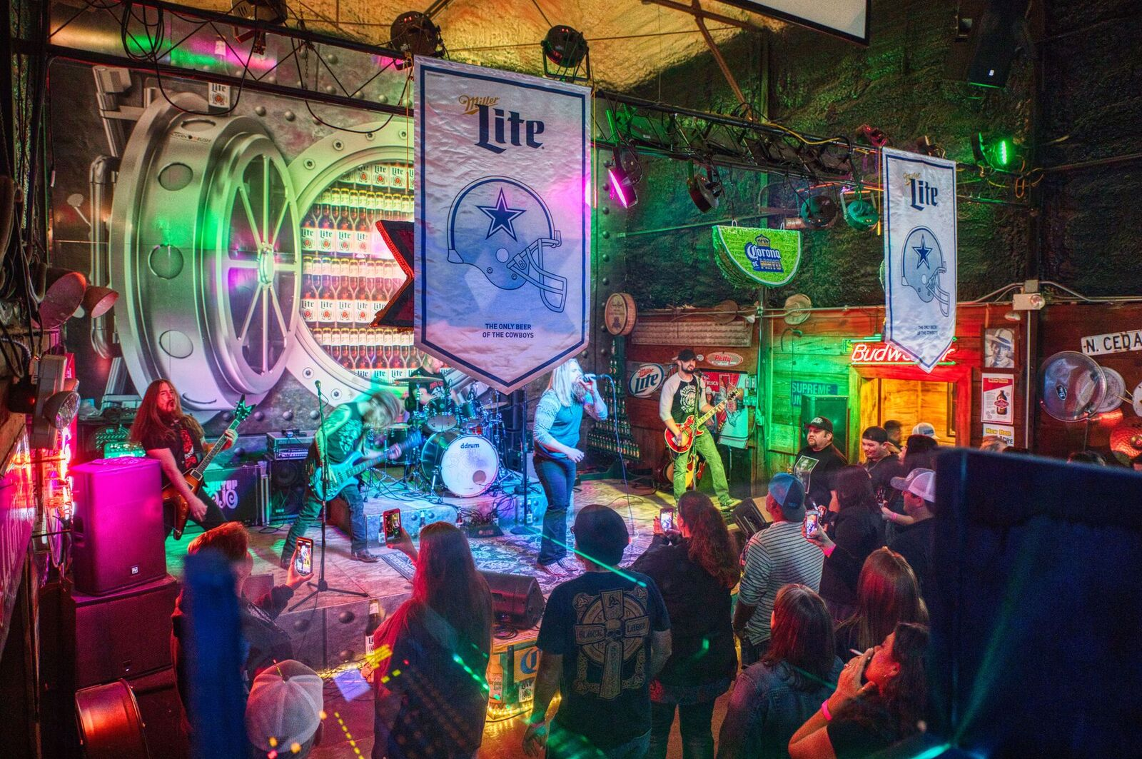 Black Top Mojo playing at The Shelton Gin Hall