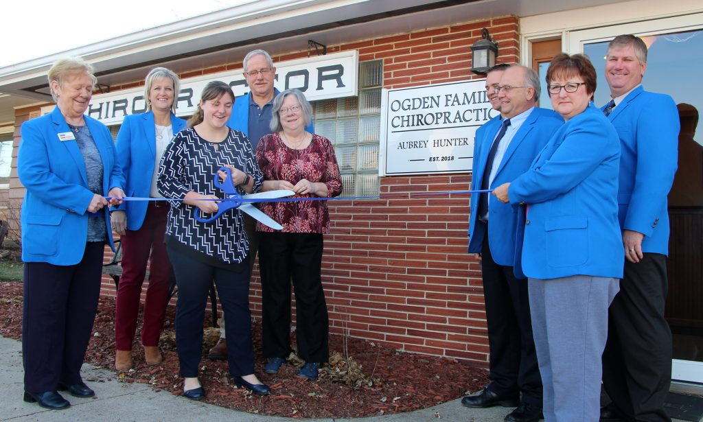On November 15, Ogden Ambassadors celebrated with Dr. Hunter and staff at Ogden Family Chiropractic (310 W. Mulberry Street) with a ribbon cutting.