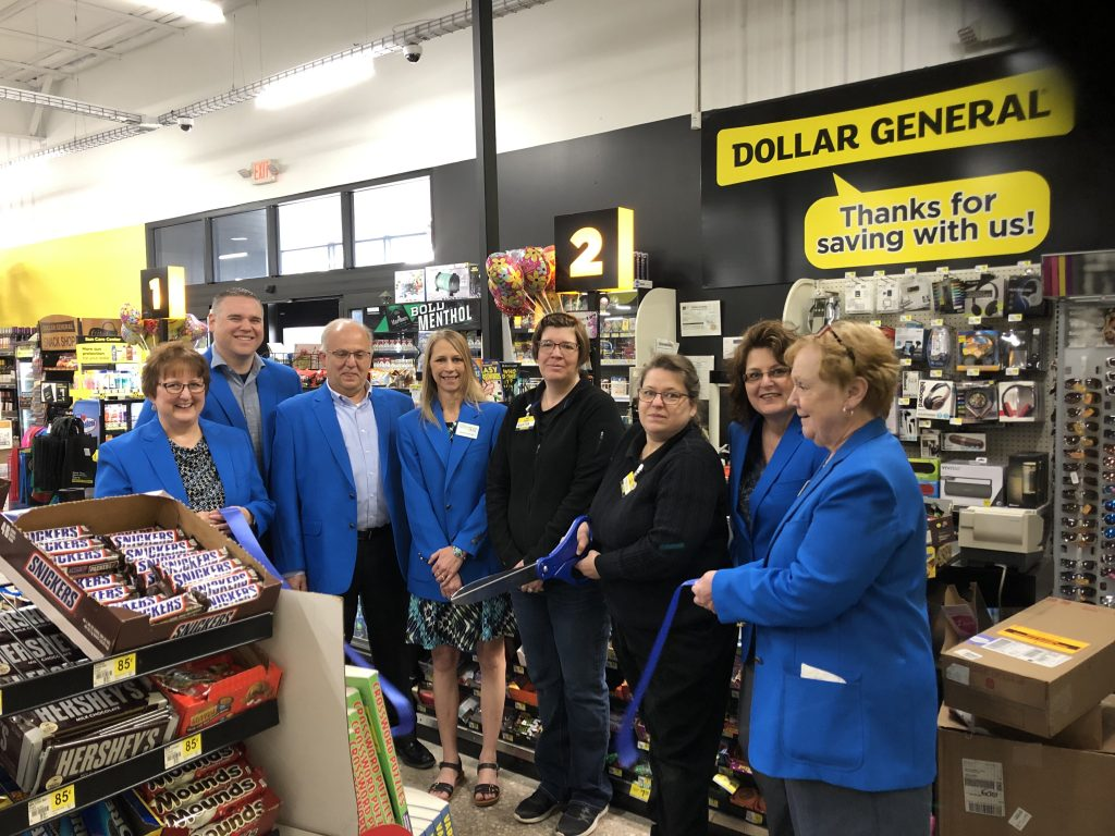 Staff and Ogden Ambassadors celebrated the opening of Dollar General (625 E Walnut) with a ribbon cutting on April 18.
