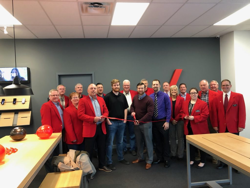 On May 21, Chamber Ambassadors along with Dalton and staff of TCC, Verizon cut the ribbon to celebrate the new location (1211 SE Marshall Street).