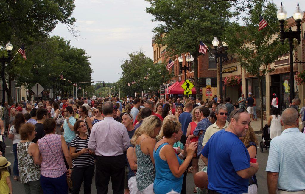 Stroll Street Scene 2018