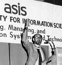 Brett Butler at the 1976 Annual Meeting. Photo Credit ASIS&T Archives