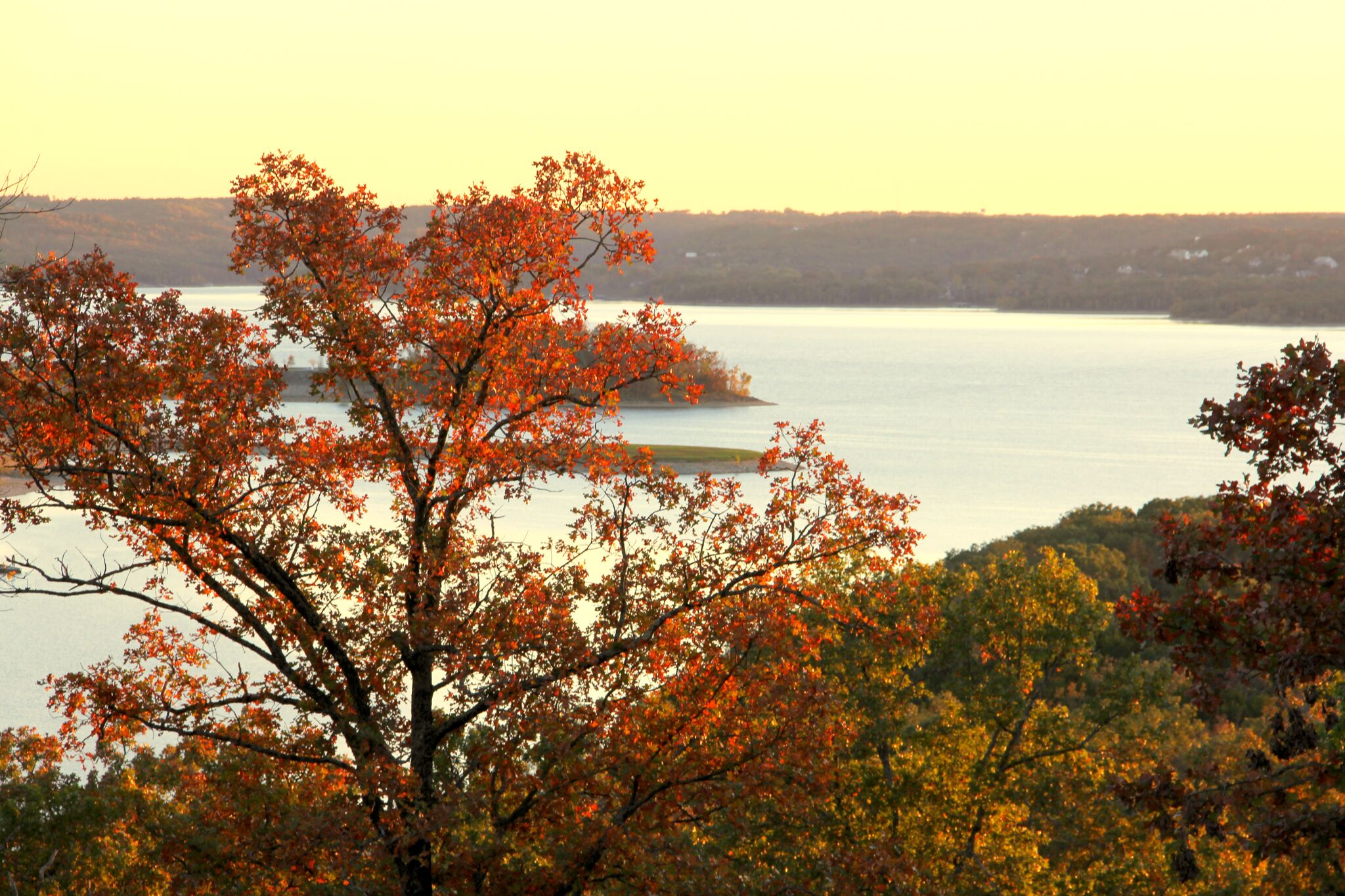 Ana Rock Follando fall events happening in the area - visit table rock lake